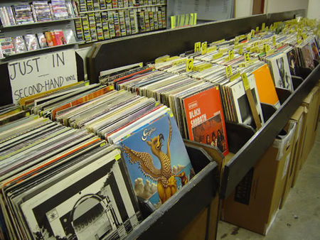 Activité Dijon : Bourse aux disques et aux BD